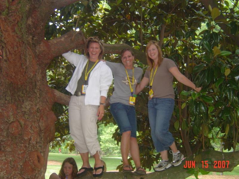Friends_in_a_tree_3